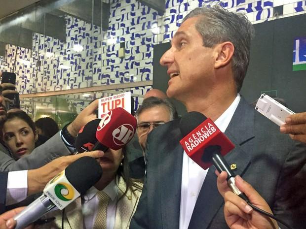 Líder do PSD, Rogério Rosso concede entrevista para anunciar que partido votarpa a favor do impeachment (Foto: Nathalia Passarinho/G1)