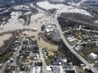 Rios transbordam e continuam provocando inundações nos EUA