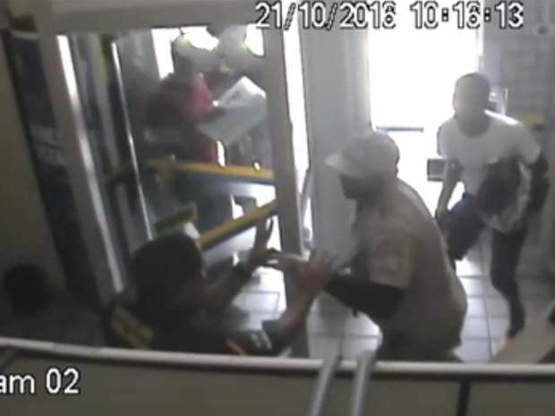 Assalto a agência dos Correios ocorreu em Olinda (Foto: Ascom PF)