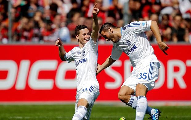 Julian Draxler gol Schakle jogo Freiburg (Foto: Reuters)