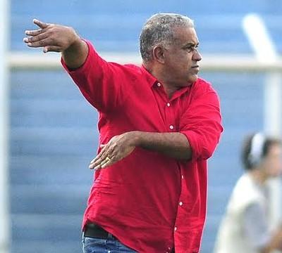Ademir Fonseca, técnico Guarani (Foto: Rodrigo Villalba/ Divulgação Guarani)