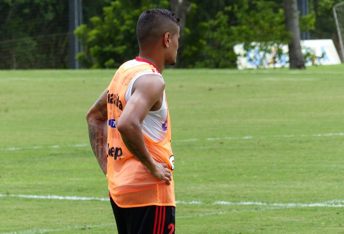 Everton treino Flamengo (Foto: Fred Gomes)