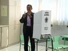 Candidato à Prefeitura de Maringá, Silvio Barros (PP) vota pela manhã