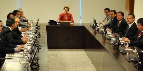 Presidente Dilma se reuniu com representantes da OAB nesta terça-feira (25) (Foto: Antonio Cruz/ABr)