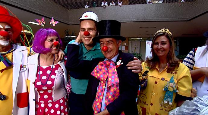 Na gravação da matéria, Pedro Leonardo se juntou ao grupo para divertir as criaças (Foto: reprodução EPTV)