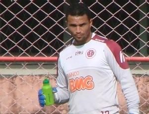 Felipe, goleiro da Desportiva Ferroviária (Foto: Bruno Marques/Globoesporte.com)