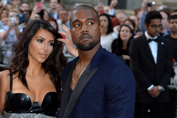 Kanye West acompanhado de Kim Kardashian (Foto: Getty Images)