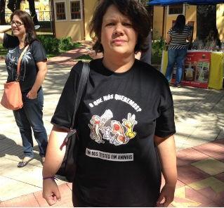Assessora parlamentar veio de Curitiba (PR) com o marido para participar da manifestação (Foto: Jéssica Pimentel/ G1)