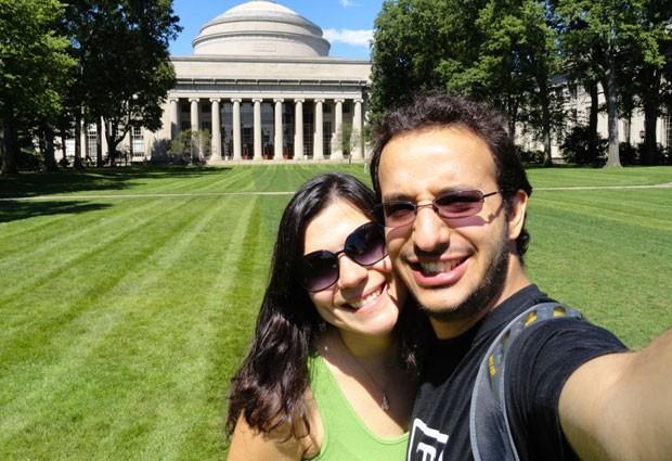 Pedro e a namorada Luiza, em uma das visitas dela ao MIT (Foto: Arquivo pessoal/Pedro Santana)