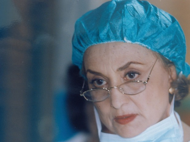 A doutora Marta (Eva Wilma), rainha e dona da série