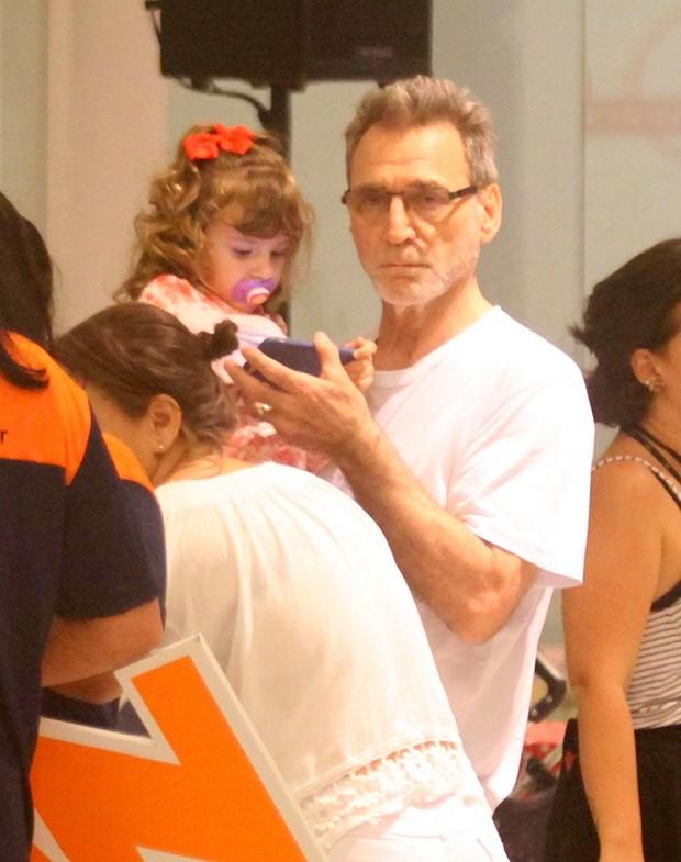 Herson Capri com a filha, Sofia (Foto: Agnews)