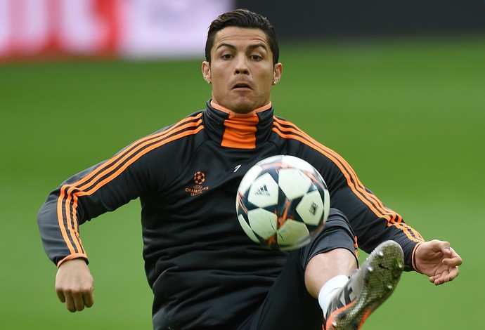 Cristiano Ronaldo treino Real Madrid (Foto: AFP)