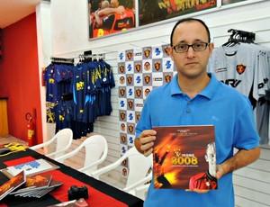 Lançamento do livro de Magrão (Foto: Elton de Castro)