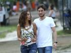 Camila Pitanga curte programa a dois com o namorado, Igor Angelkorte