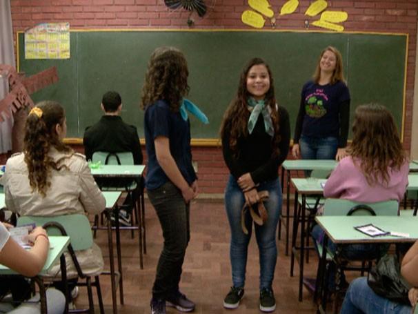 Luciane Remião cria situações do dia a dia para ensinar espanhol  (Foto: Reprodução)