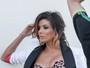 Eva Longoria sensualiza em ensaio com looks sexy