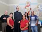 Fiéis de paróquia da Serra fazem testes para doar rim a padre no ES
