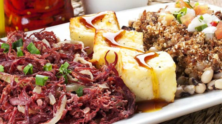 Um dos pratos com carne de sol da Brasil Vexado (Foto: Reprodução/Facebook/Brasil Vexado)