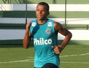 Vítor - lateral Goiás (Foto: Rosiron Rodrigues / Goiás E.C.)