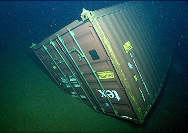 Contêiner encontrado no fundo do Oceano Pacífico e analisado por pesquisadores americanos. (Foto: Divulgação)