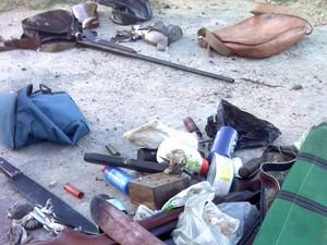 Caçadores estavam com armas de diferentes calibres (Foto: Juca Alencar/ Arquivo pessoal)