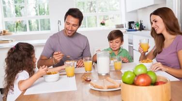 família; café da manhã (Foto: Thinkstock)