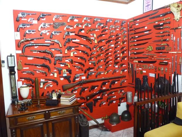 Ex-vereador é suspeito de comercializar as armas (Foto: Jefferson Roberto/Polícia Civil)
