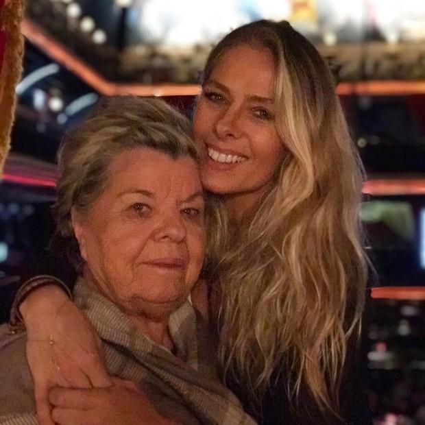 Adriane Galisteu e mãe (Foto: Reprodução/Instagram)