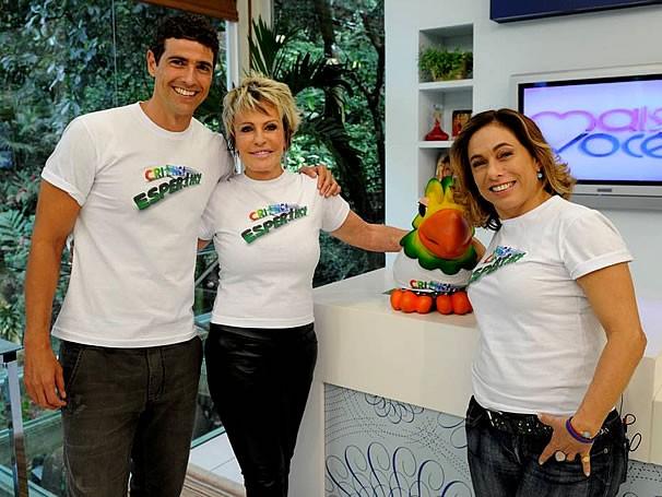 Reynaldo Gianecchini, Ana Maria Braga, Louro José e Cissa Guimarães participam da campanha de doação do Criança Esperança  (Foto: Divulgação TV Globo / Alex Carvalho)