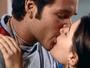 Victor e Luisa acabam se beijando