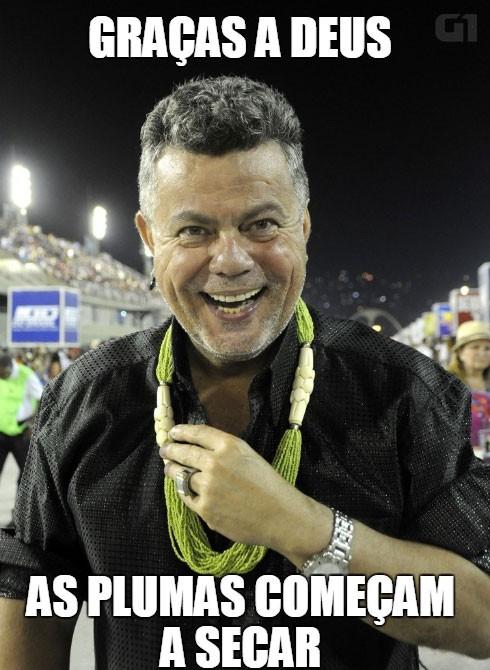 Milton agradece que a chuva parou na Sapucaí durante o primeiro dia de desfiles  (Foto: Valéria del Cueto/Divulgação)