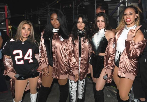 Ally Brooke, Normani Hamilton, Camila Cabello, Lauren Jauregui e Dinah Jane Hansen em bastidores de show em Atlanta, nos Estados Unidos (Foto: Paras Griffin/ Getty Images/ AFP)