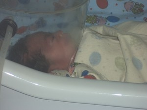 Carol Simone, após o parto, ficou na UTI Neonatal, mas não resistiu e morreu (Foto: Cedida)