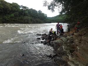 Equipes de quatro cidades trabalham na busca (Foto: Michel Teixeira/Divulgação)