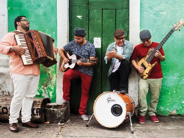 Quarteto 'Renato Bandeira & Som Madeira' faz show de lançamento do CD e DVD no Teatro Santa Isabel (Foto: João Rogério / Divulgação)