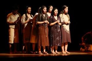 Morte e Vida Severina, clássico de João Cabral de Melo Neto, em peça de teatro (Foto: Divulgação)
