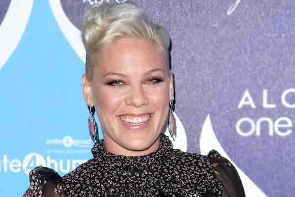 Pink rebateu críticas sobre seu peso (Foto: Getty Images)