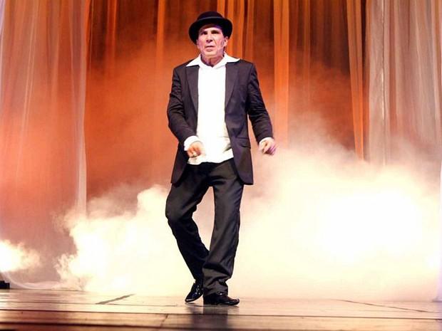 Eri Johnson interpreta diversos personagens no palco (Foto: Divulgação / Ascom Campos)