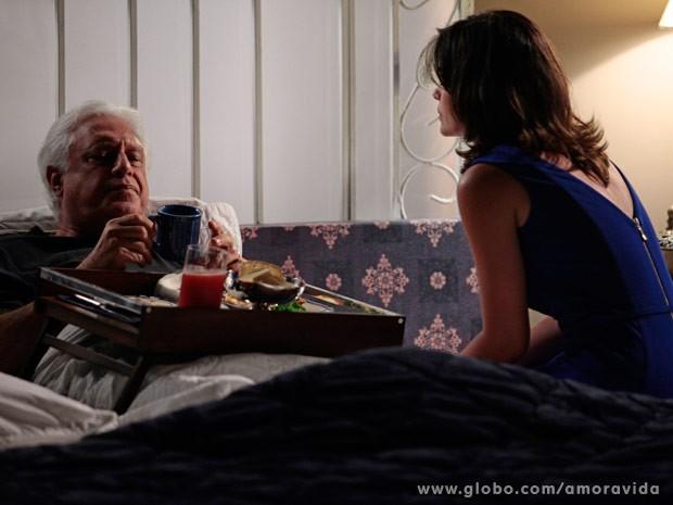 César estranha pedido de Aline (Foto: Ellen Soares/ TV Globo)