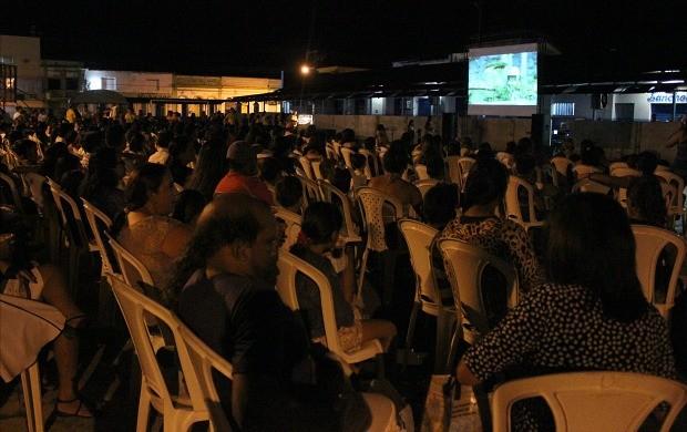'Pipoca em Cena' apresentou o filme 'Minhocas' em Itacoatiara (Foto: Katiúscia Monteiro/ Rede Amazônica)