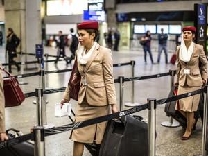 aeromoça emirates (Foto: Raul Zito/G1)