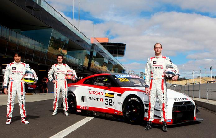 Wolfgang Reip (à direita) fez parte do trio que saiu vencedor das 12 Horas de Bathurst. Além disso, o belga venceu o Blancpain Endurance Series ano passado (Foto: Divulgação/Nissan)