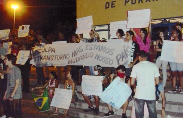 Manifestantes fazem protesto pacífico em Porangatu, Goiás 2 (Foto: Marcus Vinicius Lopes de Oliveira / Arquivo pessoal)