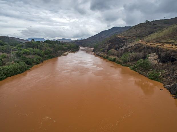 Rio Doce foi atingido por 50 milhões de metros cúbicos de rejeitos  (Foto: Leonardo Merçon / Últimos refúgios)
