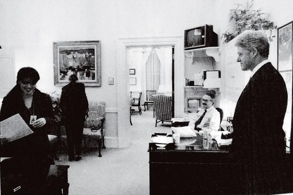 Bill Clinton com Bill Clinton na casa Branca (Foto: Getty Images)