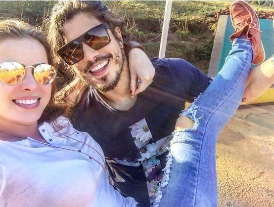 Douglas Sampaio se declara para Rayanne Morais (Foto: Reprodução / Instagram)