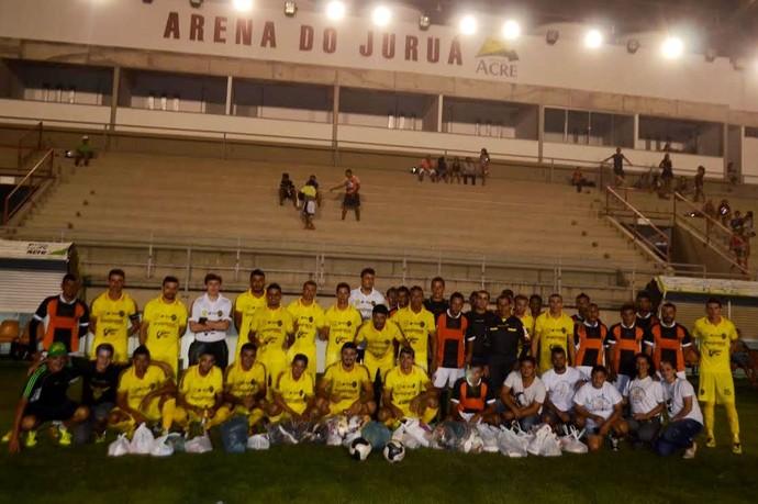 Náuas vence Laranja Mecânica em amistoso solidário por 1 a 0  (Foto: Adelcimar Carvalho)
