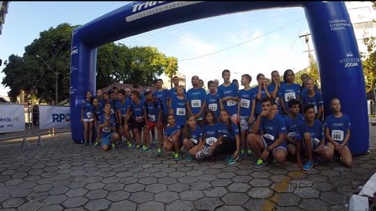 Sonho olímpico motiva crianças que dão os primeiros passos no triatlo