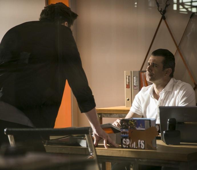 Caio diz a Ricardo que Gabriel não funciona (Foto: Raphael Dias/Gshow)
