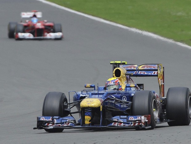 Mark Webber e Fernando Alonso F1 GP Silverstone (Foto: EFE)